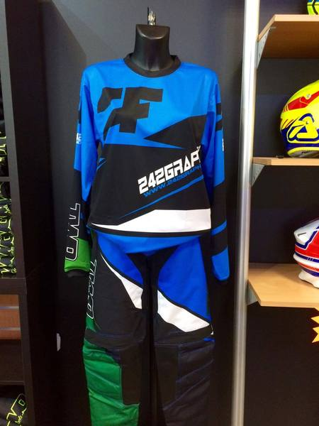 [2F] Tenue Cross bleu/verte COPS 2F